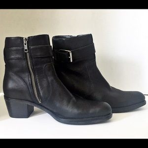 Cole Haan Black Leather Ankle Boots Women's Size 5